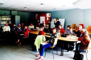 Les participants à la formation dans le local du Foyer rural de Montmélian.
